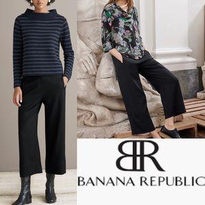 BANANA REPUBLIC Lux Linen Cropped Black Pants